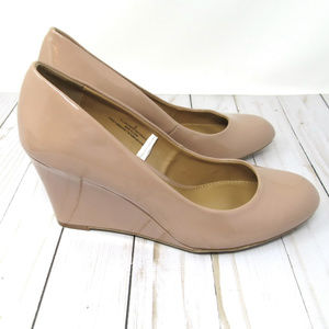 Merona Tan or Nude Wedge Pumps Patent Finish Sz 9